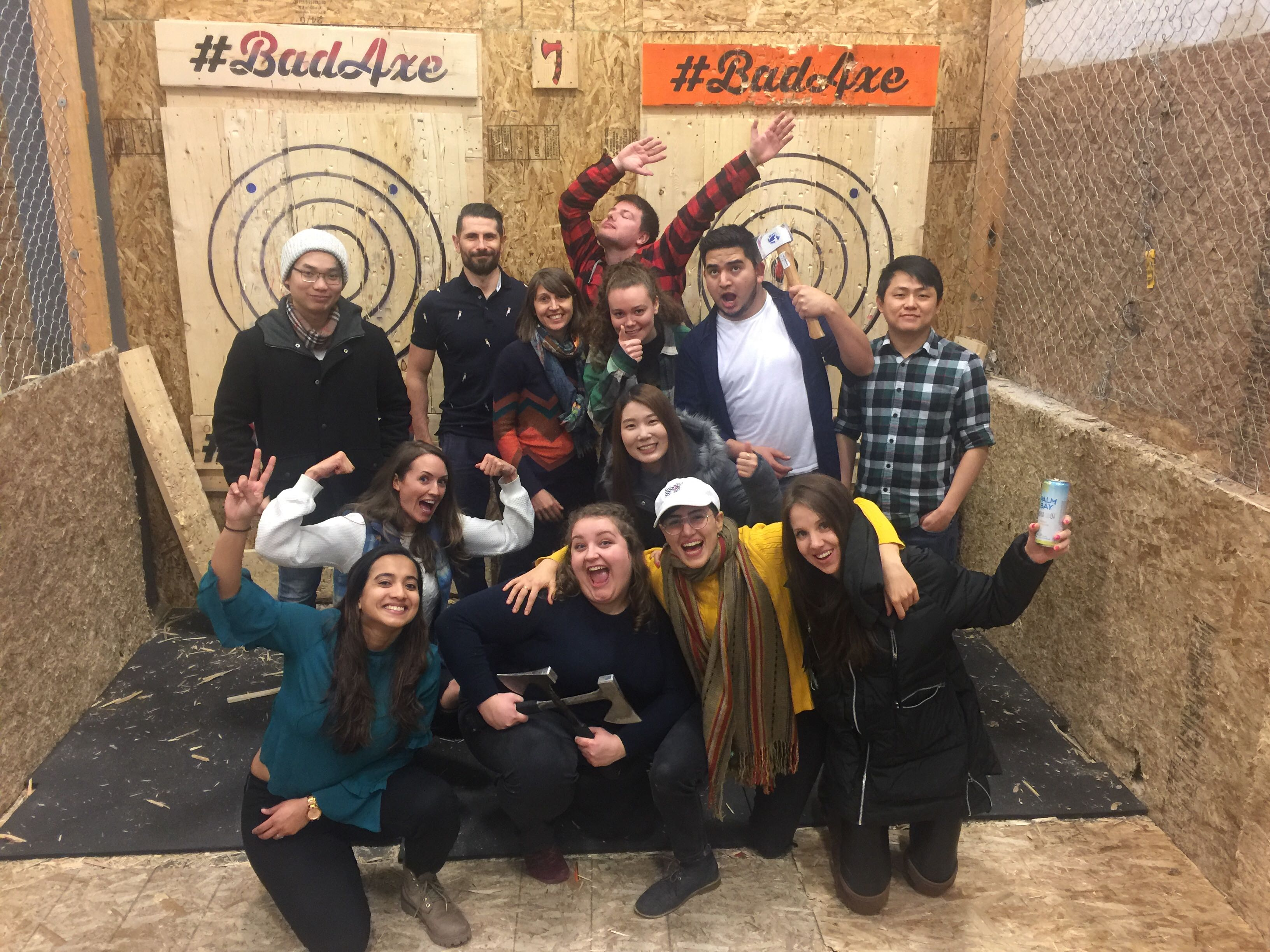 axe throwing group photo